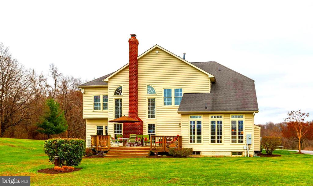 Rear View - 22910 PEACH TREE RD, CLARKSBURG