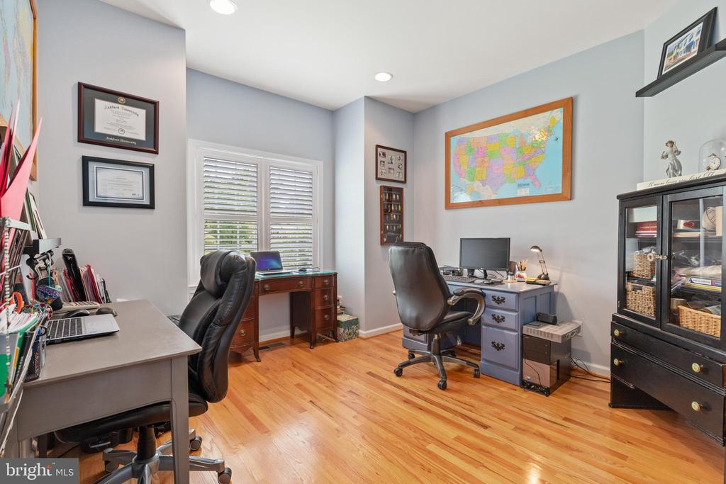Office off entry foyer - 20193 BROAD RUN DR, STERLING