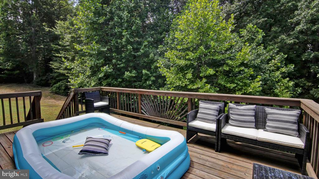 Spacious and Beautiful Deck! - 9 REGAL CT, STAFFORD