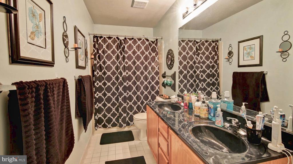 Second Full Bathroom! - 9 REGAL CT, STAFFORD