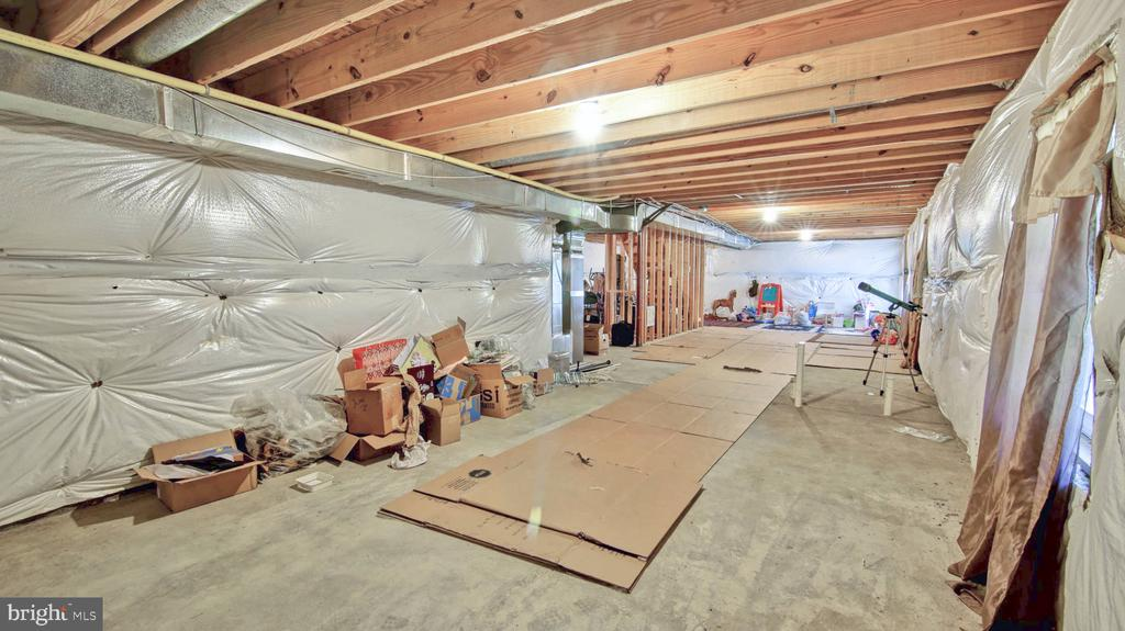 Unfinished Basement! - 9 REGAL CT, STAFFORD