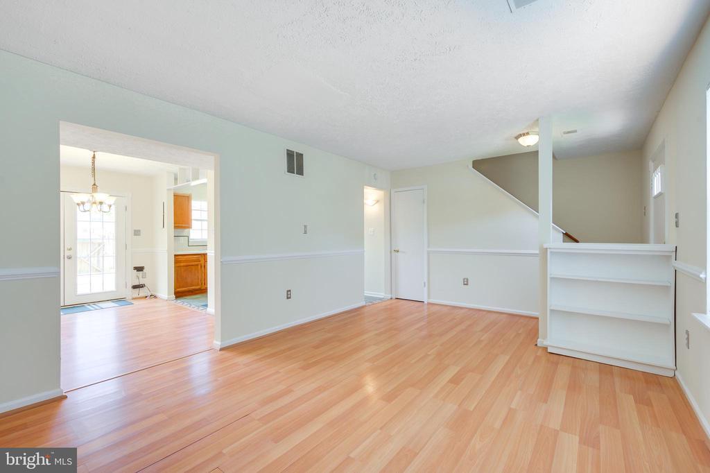 Living Room - 8629 CARTWRIGHT CT, MANASSAS PARK