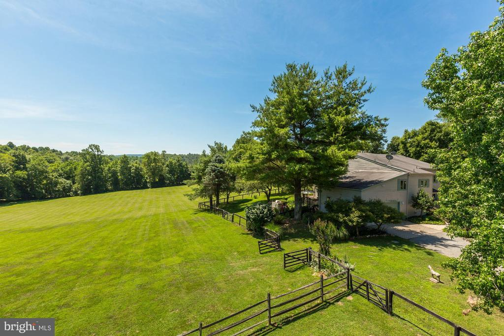 Well cared for property - 23009 COBB HOUSE RD, MIDDLEBURG
