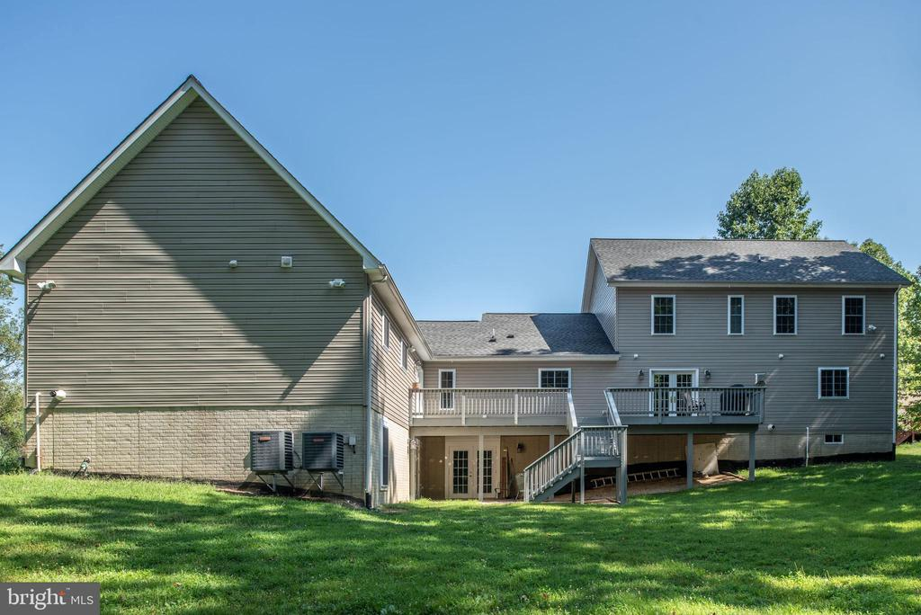View of back of home - 2843 GARRISONVILLE RD, STAFFORD