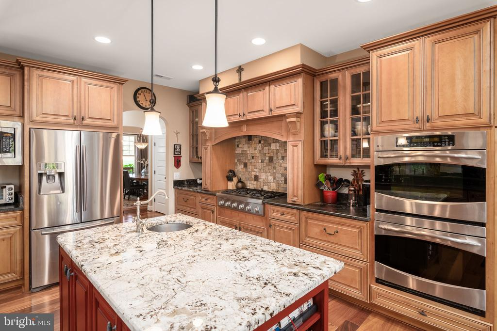 Stainless Steel Appliances- Double Ovens! - 1205 SPOTSWOOD DR, LOCUST GROVE