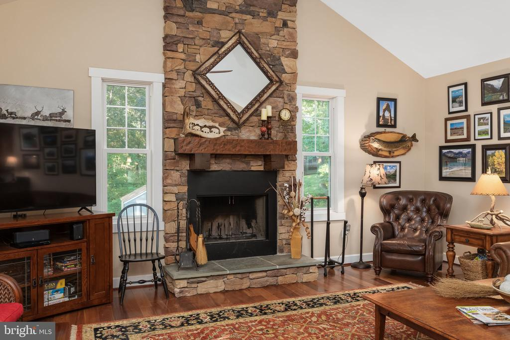Gorgeous Floor to Ceiling Fireplace - 1205 SPOTSWOOD DR, LOCUST GROVE