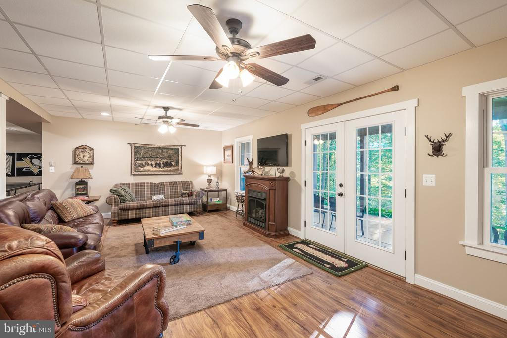 Large 2nd Family Room - 1205 SPOTSWOOD DR, LOCUST GROVE