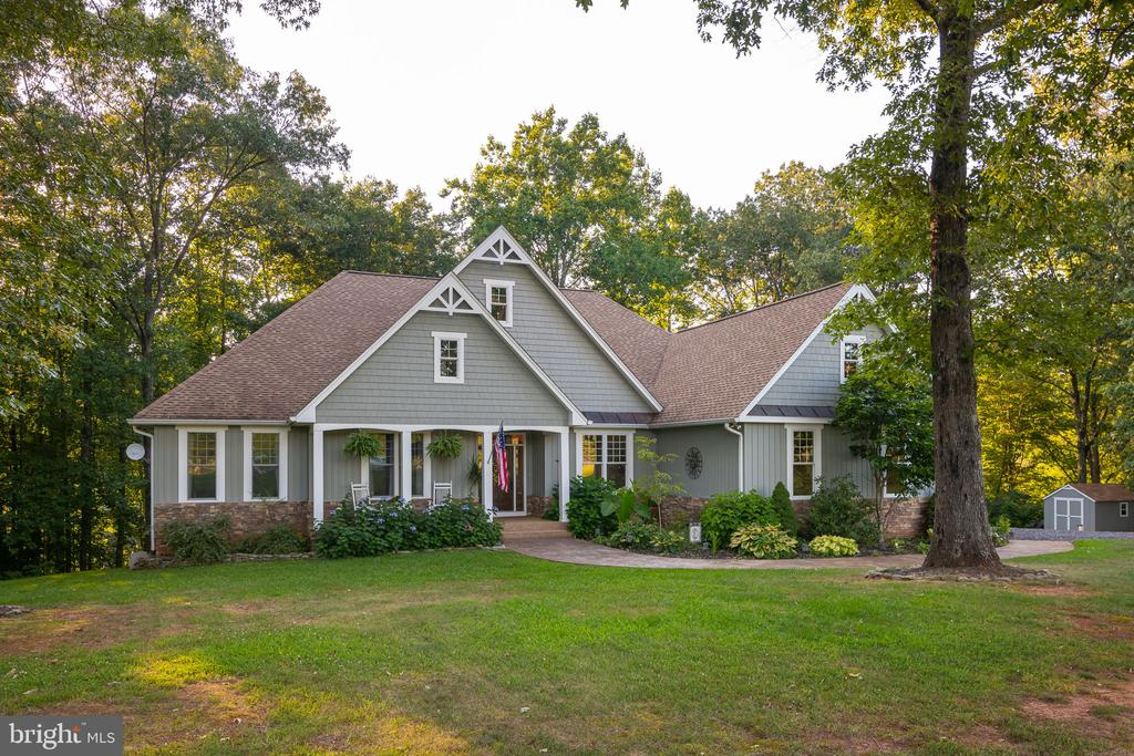 Don't Miss this One-Of -A Kind Home On the Potomac - 1205 SPOTSWOOD DR, LOCUST GROVE