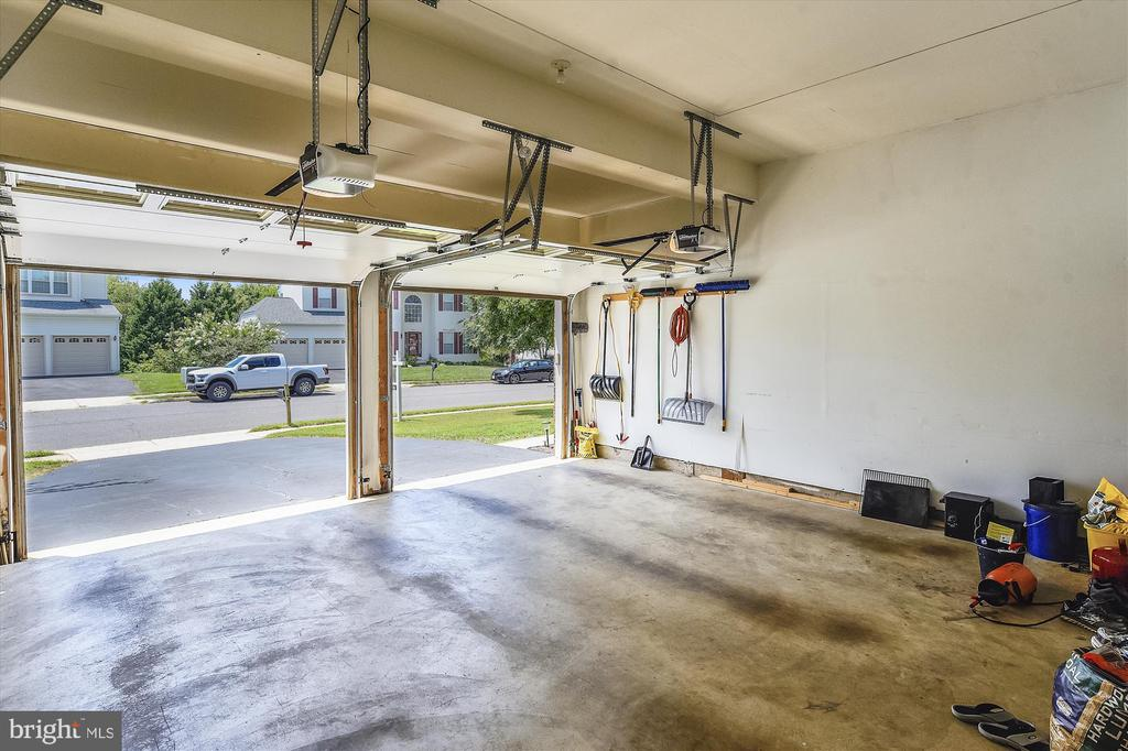 2 Car Garage with Tons of Space - 9309 MICHAEL CT, MANASSAS PARK