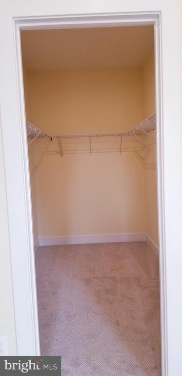 Closet - 600 W K ST, PURCELLVILLE
