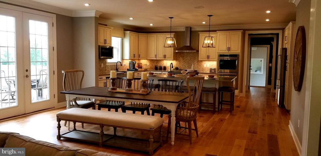 Kitchen - 600 W K ST, PURCELLVILLE