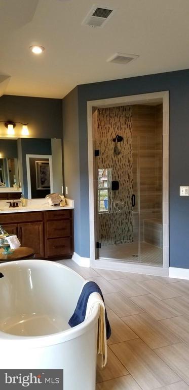 Master Bathroom - 600 W K ST, PURCELLVILLE