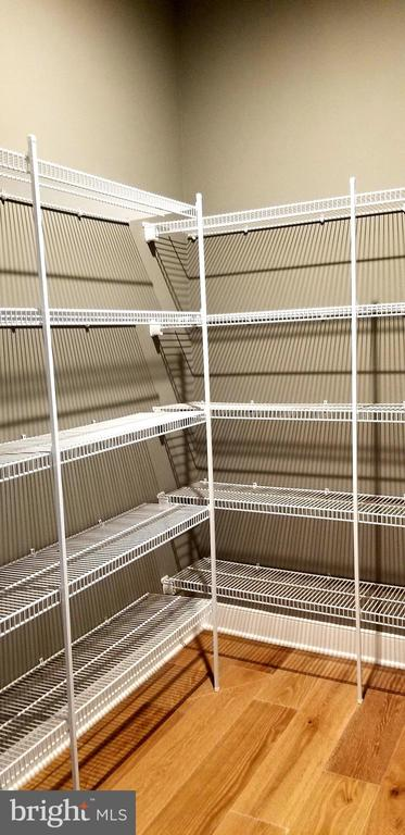 Walk-in Closet - 600 W K ST, PURCELLVILLE
