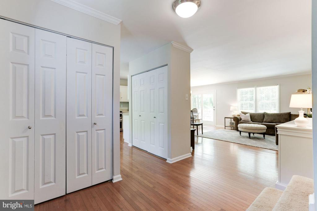 Double Wide Coat Closet in Foyer! - 12335 COLERAINE CT, RESTON