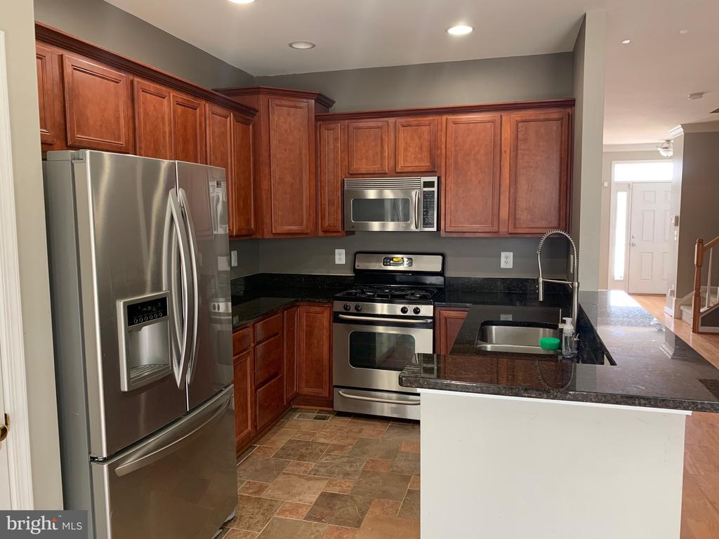 Kitchen With Stainless Steel Appliance - 103 SANDPIPER TER, STAFFORD