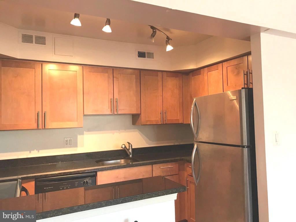 Kitchen - 3629 38TH ST NW #304, WASHINGTON