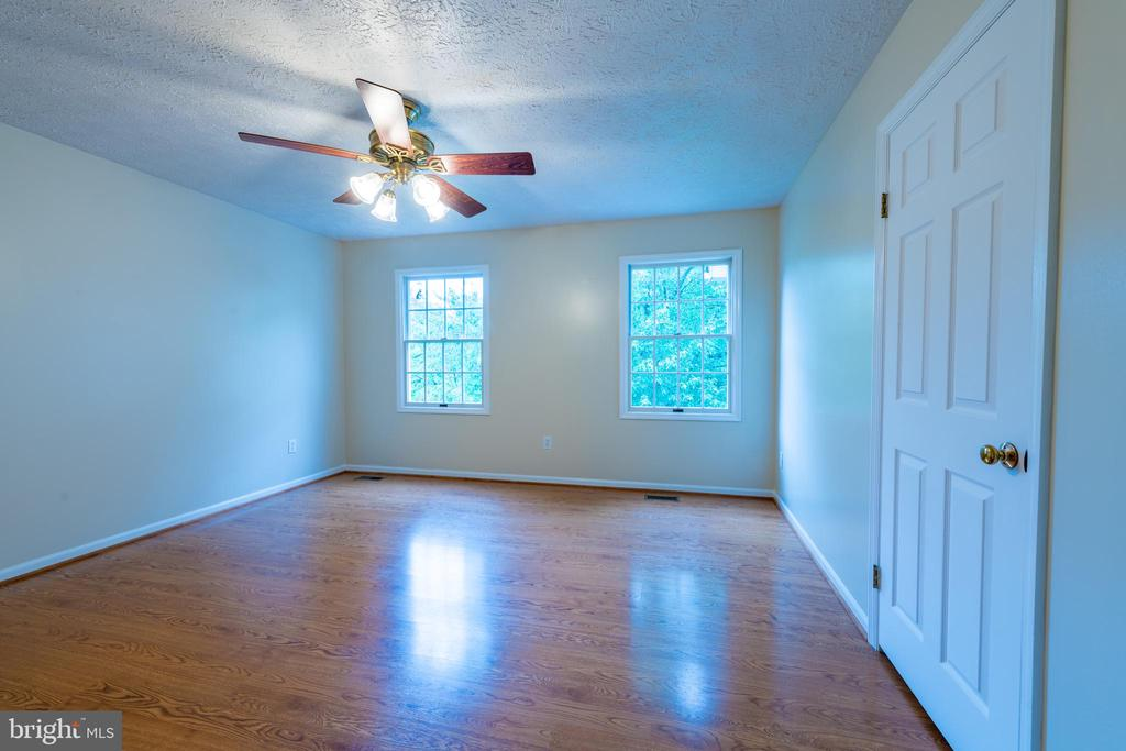 bedroom 3 - 403 GARY CT, STERLING