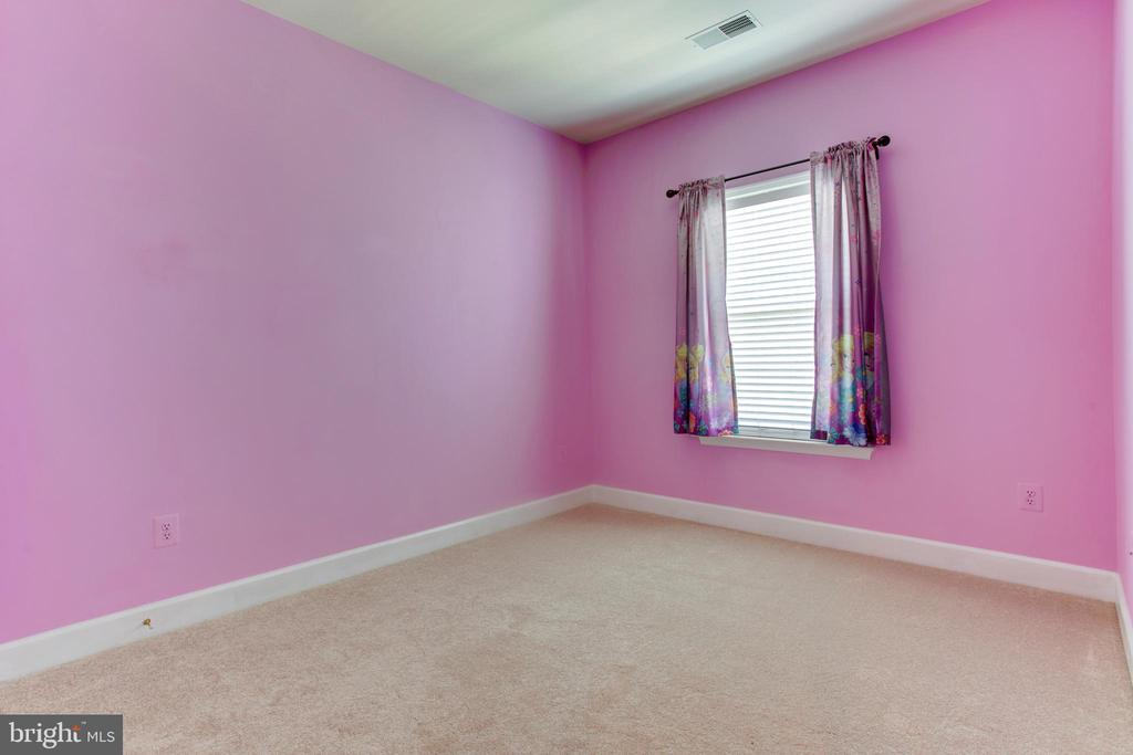 3rd Room -New Carpet - Upper level - 525 ODENDHAL AVE, GAITHERSBURG
