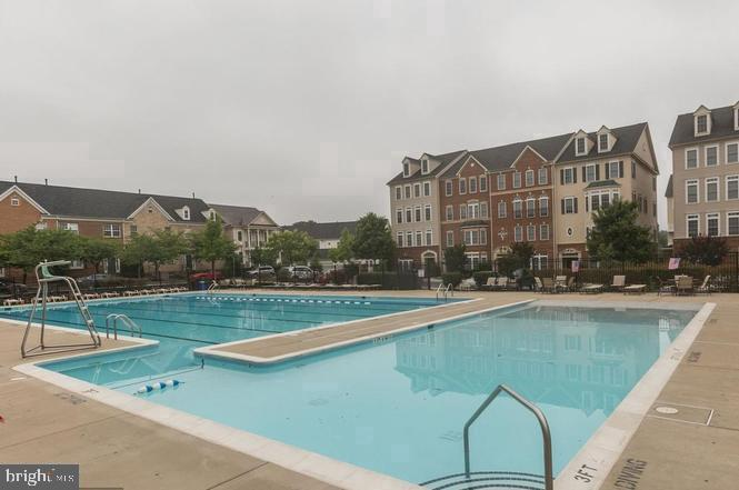 Outdoor pool - 525 ODENDHAL AVE, GAITHERSBURG