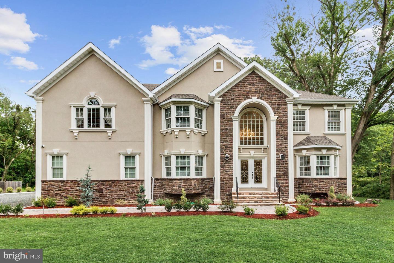 Single Family Homes för Försäljning vid North Brunswick, New Jersey 08902 Förenta staterna