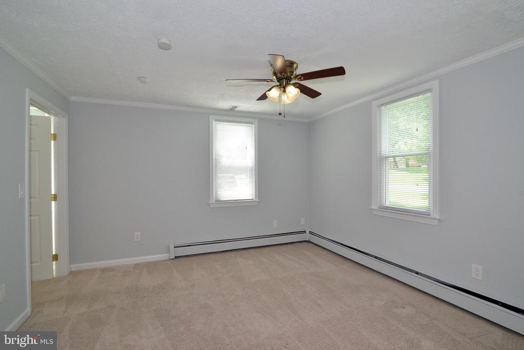 Bedroom 1 - 13934 MOUNTAIN RD, HILLSBORO