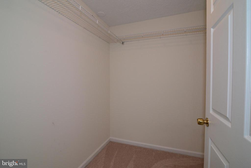 Walk-in closets - 13934 MOUNTAIN RD, HILLSBORO