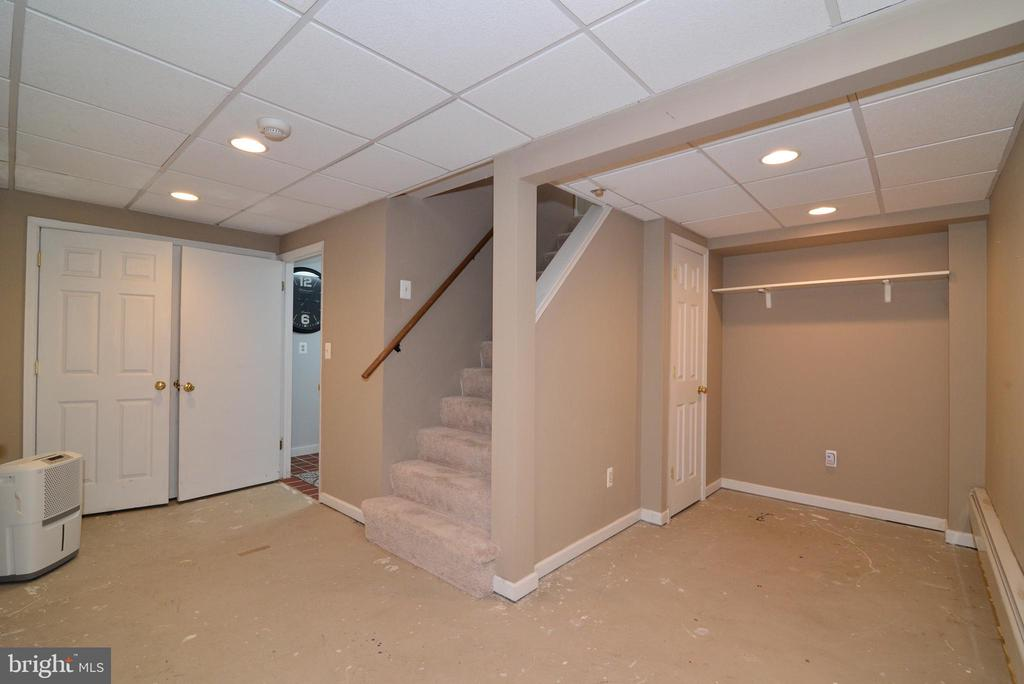 Partially finished basement - 13934 MOUNTAIN RD, HILLSBORO