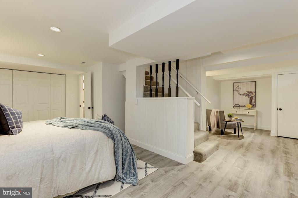Fully Finished Walk Out basement w/ BR and Bath - 1745 BUCHANAN ST NE, WASHINGTON
