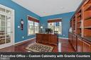 Executive office - custom cabinetry and granite. - 6902 SOUTHRIDGE PL, MIDDLETOWN