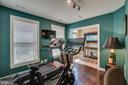 Entry level bedroom / gym / office - 2889 CHANCELLORS WAY NE, WASHINGTON