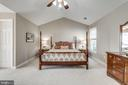 Master Suite with vaulted ceiling - 20439 FITZHUGH CT, POTOMAC FALLS