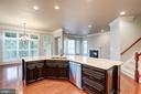 Lots of Cabinets - 9668 MAYMONT DR, VIENNA