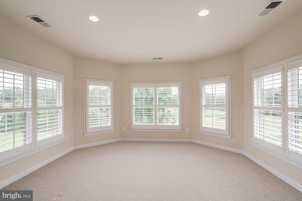 Sunroom/Exercise Room off Master Bedroom - 9668 MAYMONT DR, VIENNA
