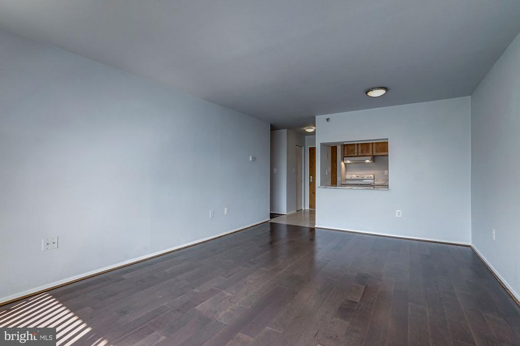 Living Room - Receives an Abundance of Sunlight! - 1808 OLD MEADOW RD #1416, MCLEAN