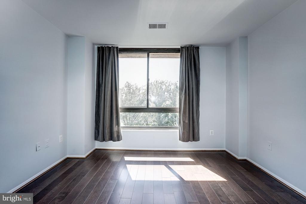 Bedroom - Brand New Hardwood Floors! - 1808 OLD MEADOW RD #1416, MCLEAN