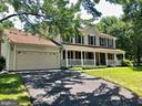 - 13519 MOSS GLEN RD, CLIFTON