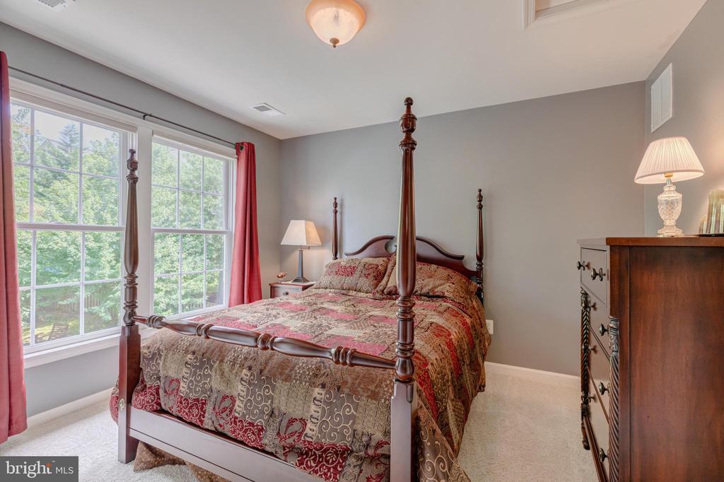 Bedroom 2 - 5621 GLENWOOD DR, ALEXANDRIA