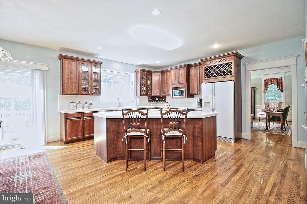Gourmet Kitchen! - 10121 COMMUNITY LN, FAIRFAX STATION