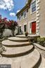 Beautiful hardscaping in front and rear of home - 47426 RIVERBANK FOREST PL, STERLING