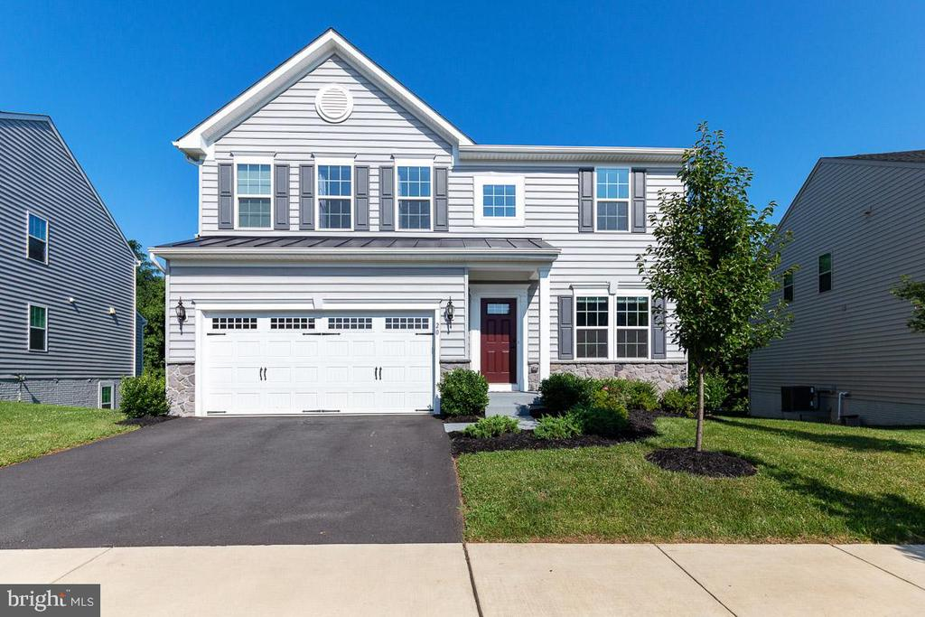 Beautiful Ryan Homes Venice Model - 20 EISENTOWN DR, LOVETTSVILLE