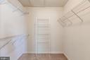 Master walk in closet - 43214 SOMERSET HILLS TER, ASHBURN