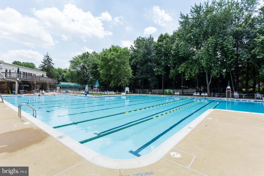 McLean Hamlet Pool - 7710 FALSTAFF CT, MCLEAN
