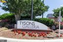 Just Minutes to Tysons - 7710 FALSTAFF CT, MCLEAN