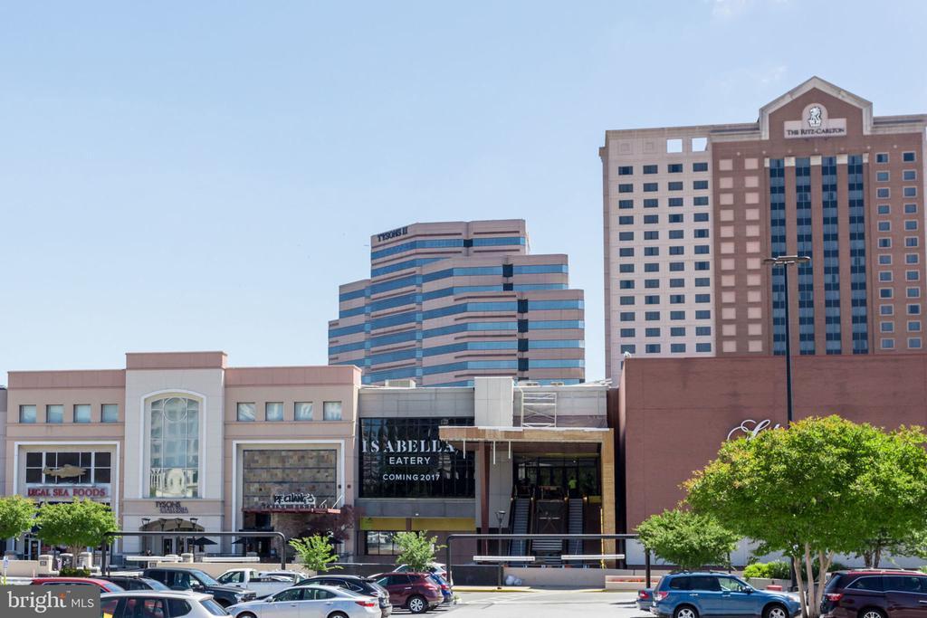 Tysons Galleria - 7710 FALSTAFF CT, MCLEAN