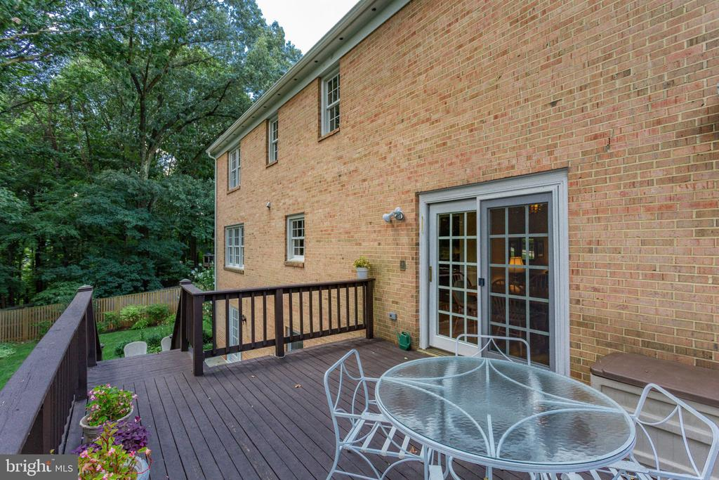 Deck toward house and stairway to  fenced backyard - 7710 FALSTAFF CT, MCLEAN