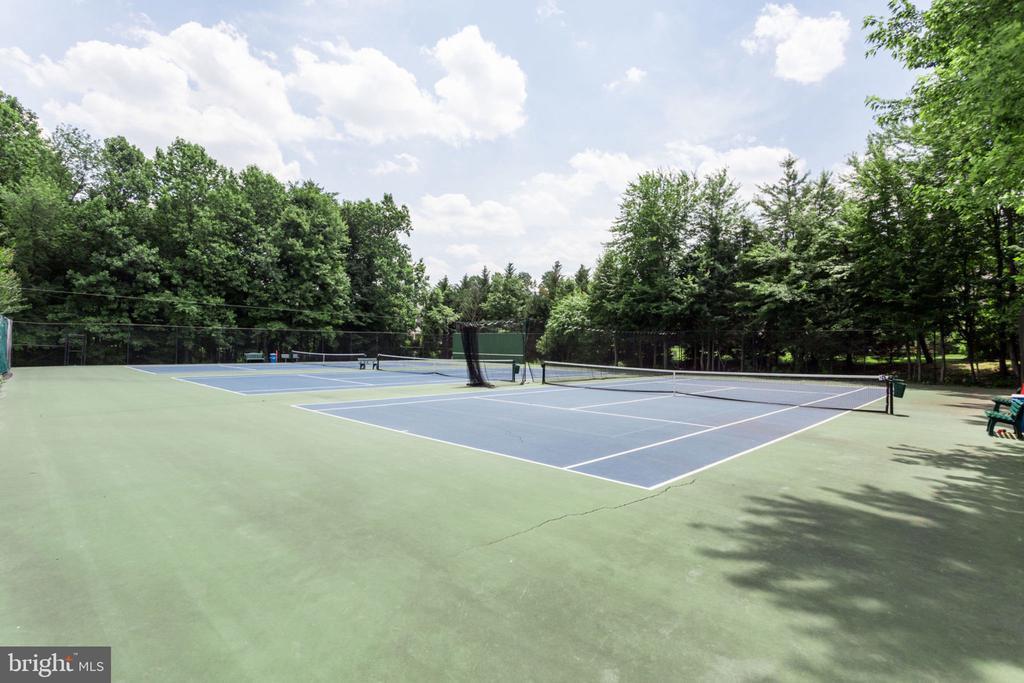 Hamlet Tennis Courts - 7710 FALSTAFF CT, MCLEAN