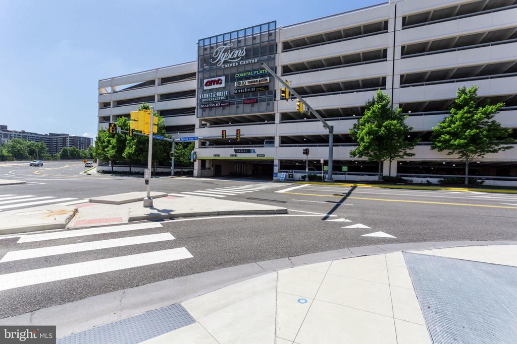 Tysons Cprmer Shopping Center - 7710 FALSTAFF CT, MCLEAN