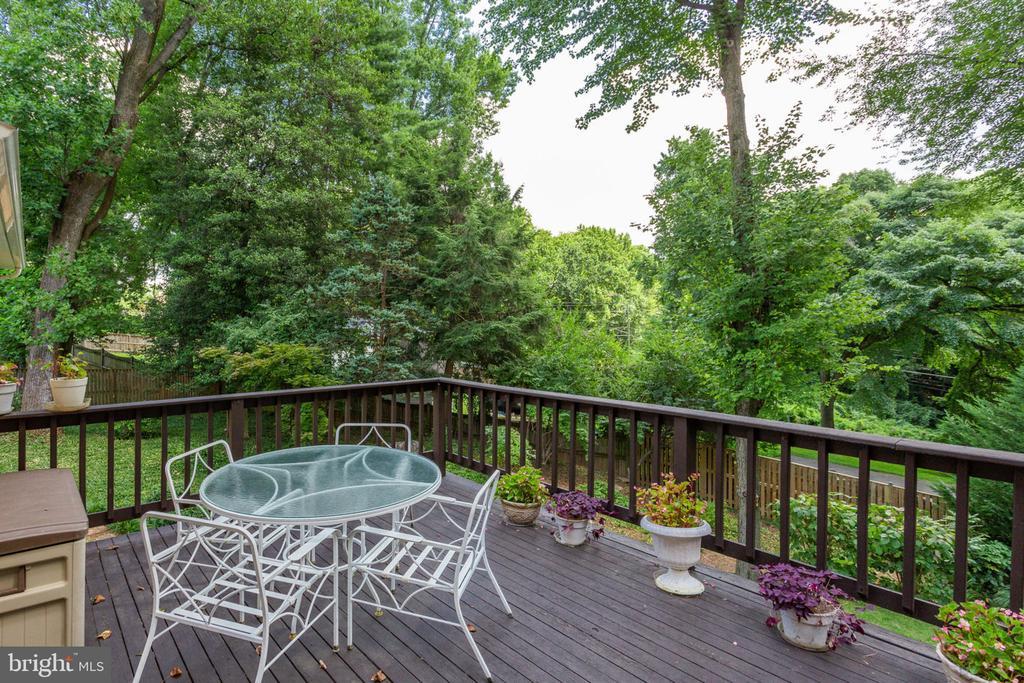 Deck off of breakfast room overlooking trees - 7710 FALSTAFF CT, MCLEAN