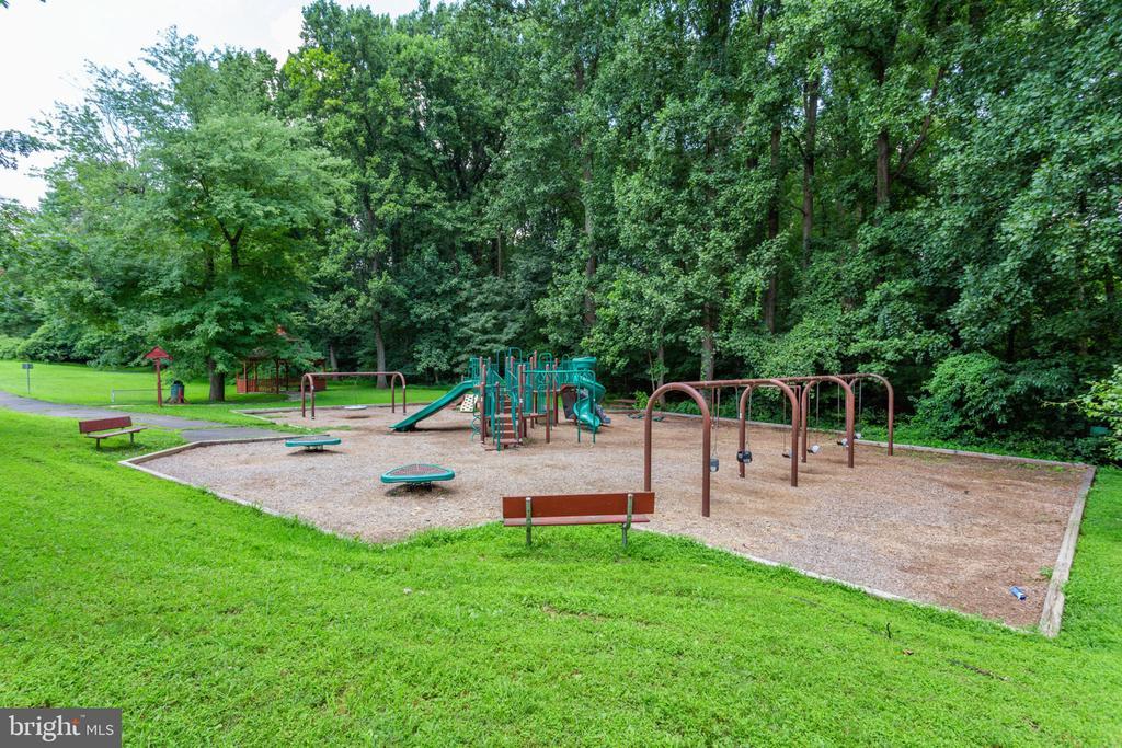 Falstaff Park play area - 7710 FALSTAFF CT, MCLEAN