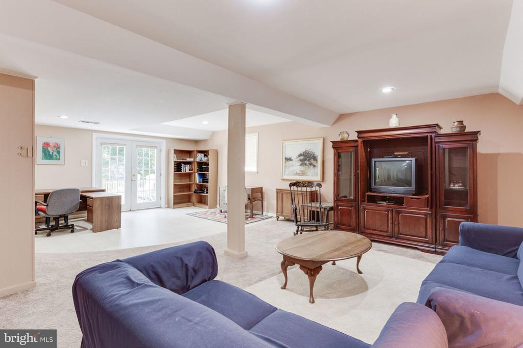 There's room for almost everything  here! - 7710 FALSTAFF CT, MCLEAN